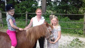 Kind & Pony